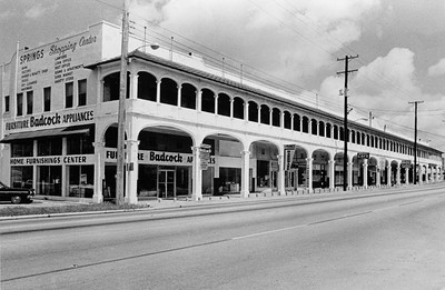 GENERAL VIEW SHOWING FRONT EAST FACADE, FROM SOUTHEAST. Photo supplied by the Florida Division of Archives, History and Records Management, Tallahasse, Florida. - Sulphur Springs Hotel, 8122 North Nebraska Avenue, Tampa, Hillsborough County, FL