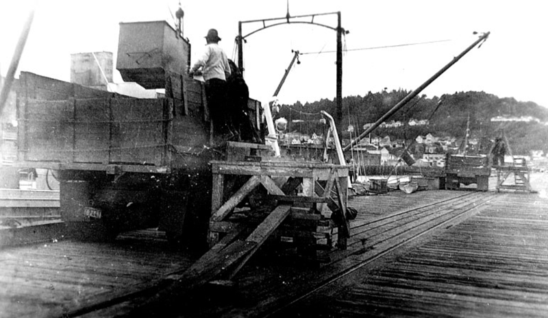 Spicewood  Unloading Tuna Astoria 1940's  Bumble Bee
