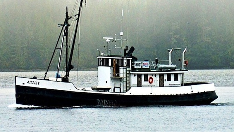 Amelie  Built 1925 Port Blakley  P E Harris Co  Peter Pan  Robert Hervin  Mike Dentler  Lynn Dentler