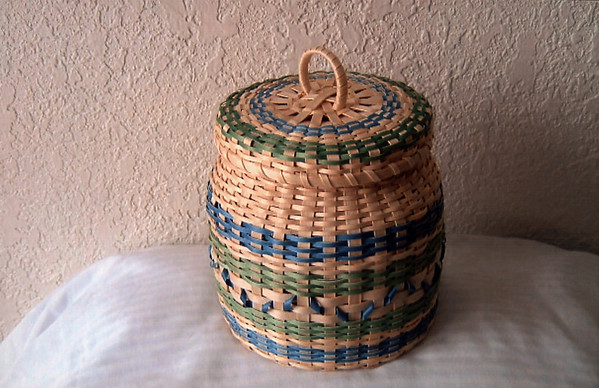 Finished basket and cover.