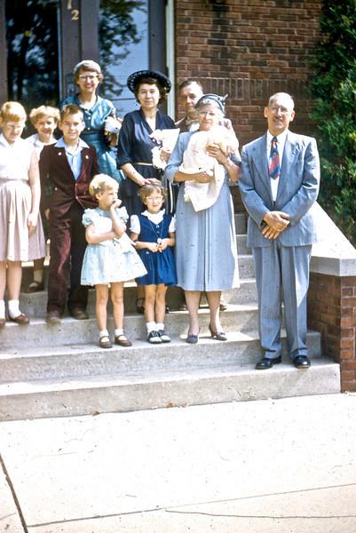 Ed & Jane Lieb with their children and grandchildren on their 40th Wedding Anniversary.<br /> (Photo by Millie C. Shaffer)
