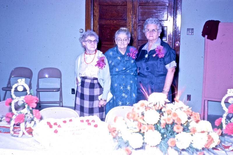 Mayme Taylor, Nan Baglin, Ethel Collins<br /> (Photo by Millie C. Shaffer)