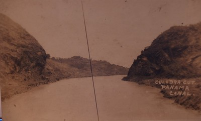 Panama Canal showing the Culebra Cut http://www.canalmuseum.com/documents/panamacanalhistory028.htm