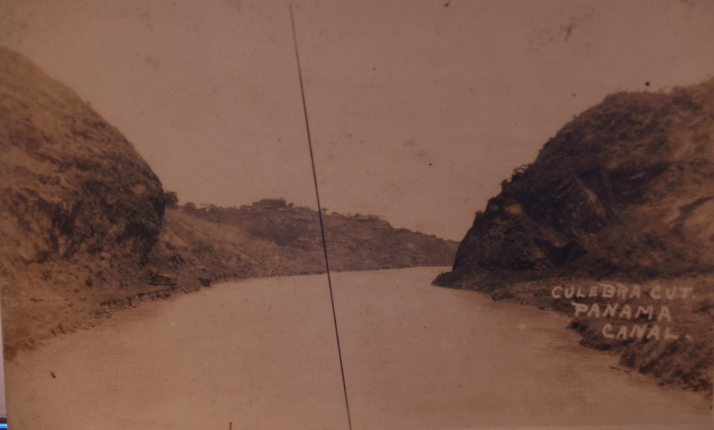 "Panama Canal showing the Culebra Cut<br />  <a href=""http://www.canalmuseum.com/documents/panamacanalhistory028.htm"">http://www.canalmuseum.com/documents/panamacanalhistory028.htm</a>"