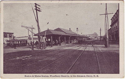 Boston_Maine_Station_bw