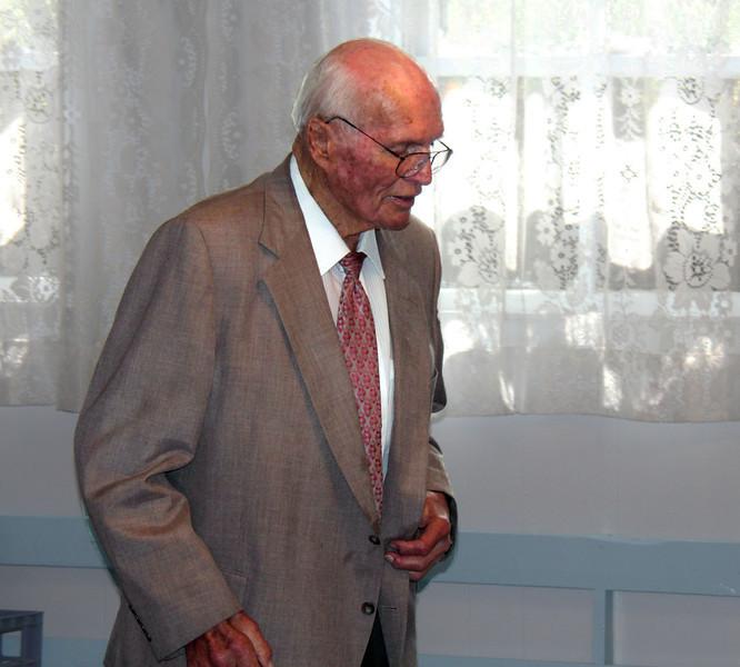 Leo Daniels - 25 Mar 2012