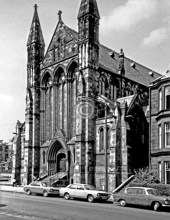 Pollokshields-Kenmure Church (originally Pollokshields U.P., W.F.McGibbon, 1883), Leslie St, demolished after a fire in 1983.    June 1975