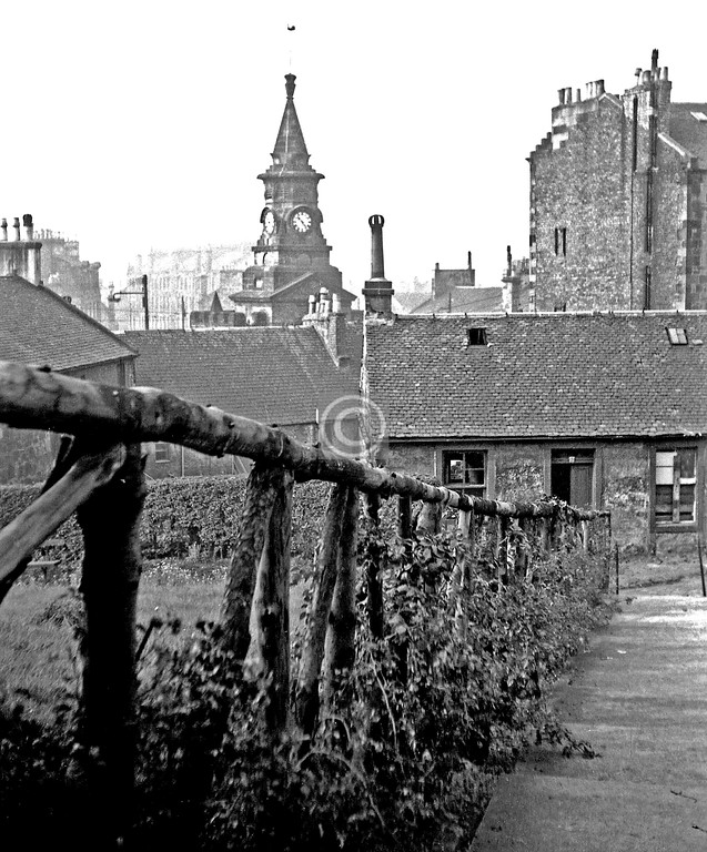 Pollokshaws, lane below St Conval's School.  June 1964