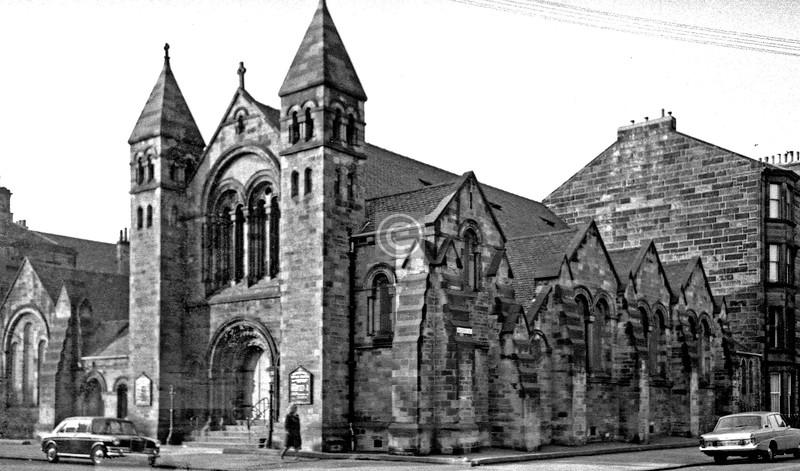 Queen's Dr. / Niddrie Rd, Queen's Park Baptist Church  July 1975