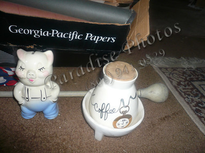 Glass coffee holder and glass pig