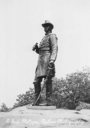 Signal officer, Little Round Top, Gettysburg battlefield monument in Pennsylvania. June 1998
