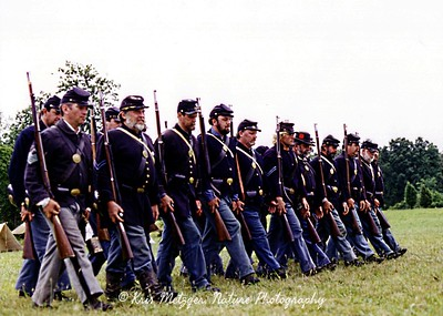 Union ranks (reenactors), Gettysburg battlefield in Pennsylvania.