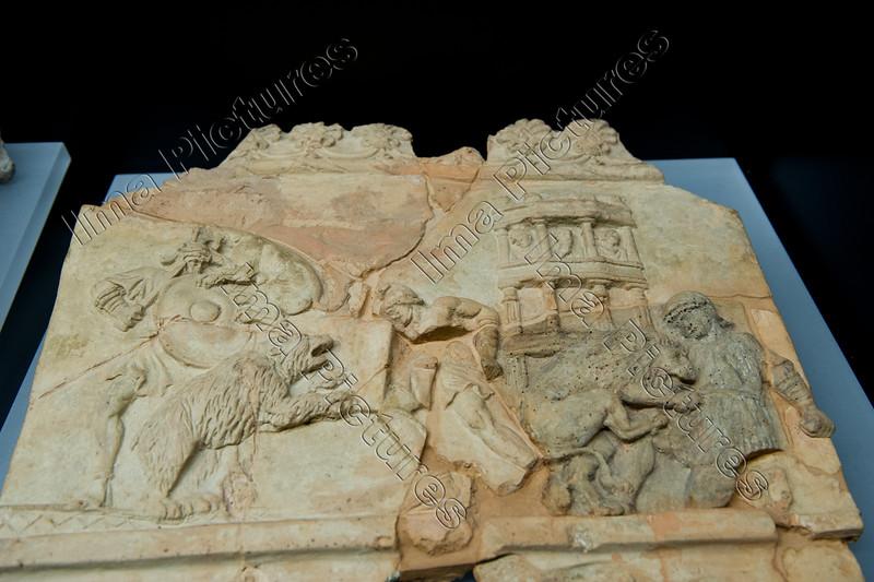 Gladiators,Gladiatoren,relief,reliëf, bear,lion,panter attacking venatores,beer,leeuw,panter,ours,lion,panthère,1-100 AC,Latium
