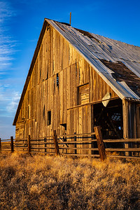 Abandoned Barn, Center Ridge Road, Eastern Oregon