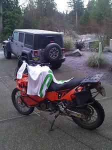 Spyder trying to jack my KTM, 01/03/13.