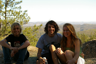 11/15/08 Hiking Corte Madera with the kids