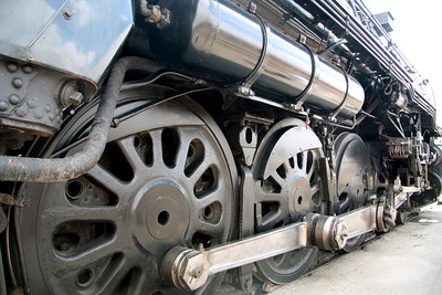 Drive wheels and rods of the 3751