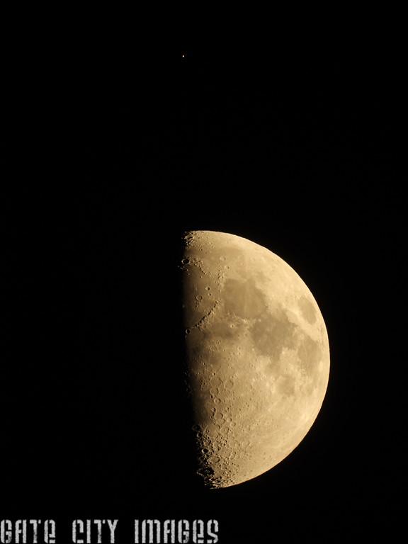 IMGA_43756 Mars and Moon, Ians scope trm