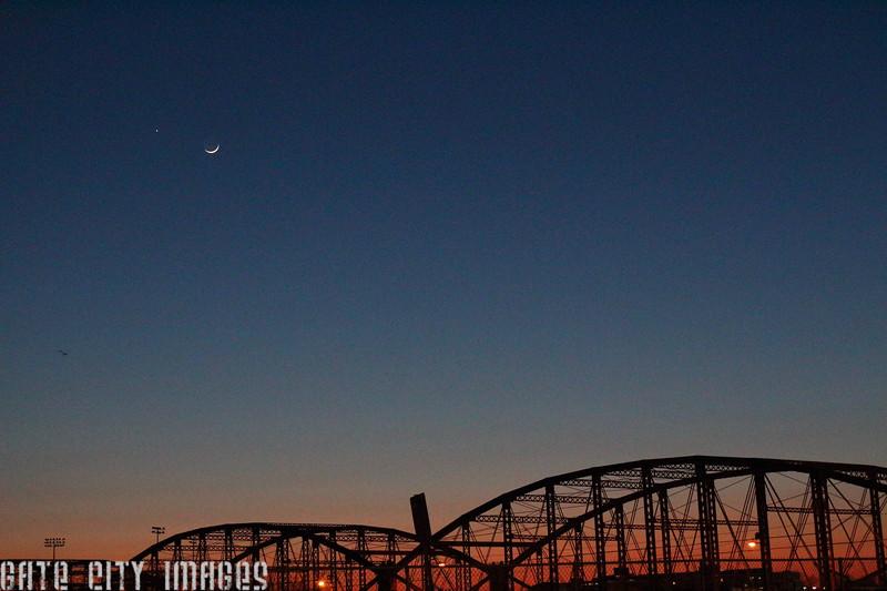 IMG_0368 Moon, Venus, Mars over bridges of Lowell a