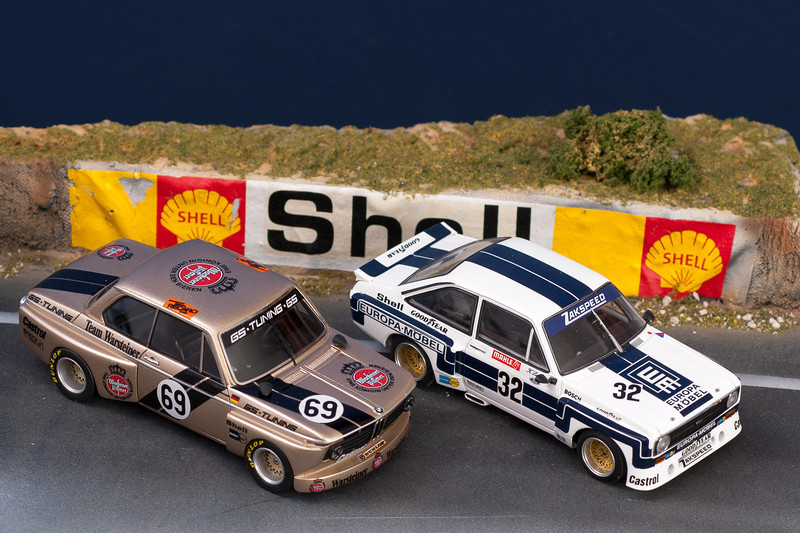 BMW 2002tii GS-Tuning 1975 Driver: Jörg Obermoser <br /> Ford Escort II BDA Zakspeed 1975 Driver: Klaus Ludwig