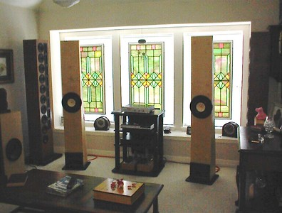 Finally, in the upstairs listening room connected to the Bottlehead Paramours. These speakers are a good match for any 2 watt or greater SET amp.