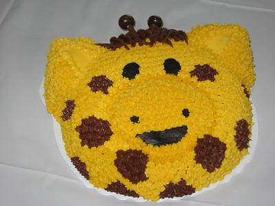 Emma's Giraffe - vanilla cake, buttercream frosting