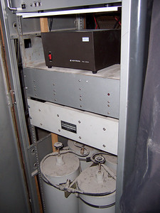 Note the construction dirt on the 2m cans, this was why we had to wait to put the D-Star repeater on the air. No access or internet durring construction and LOTS dirt/dust!