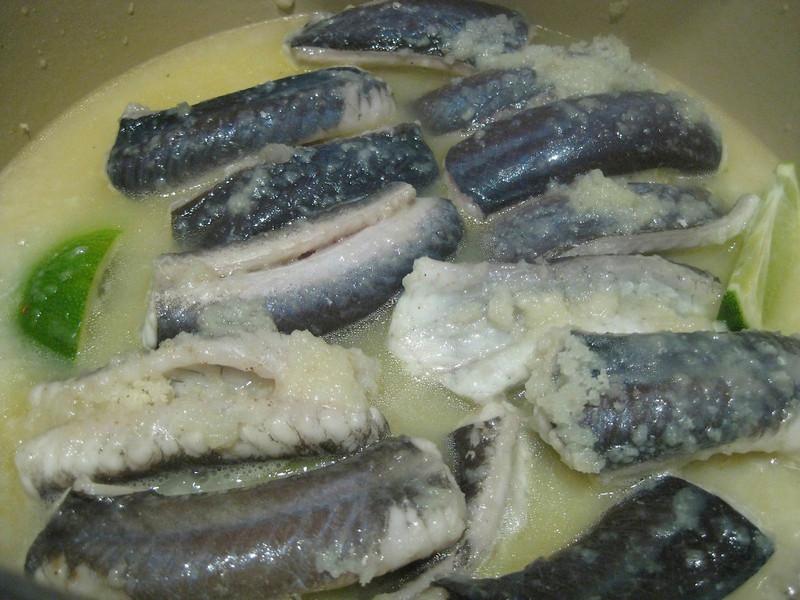 Eel in white wine sauce
