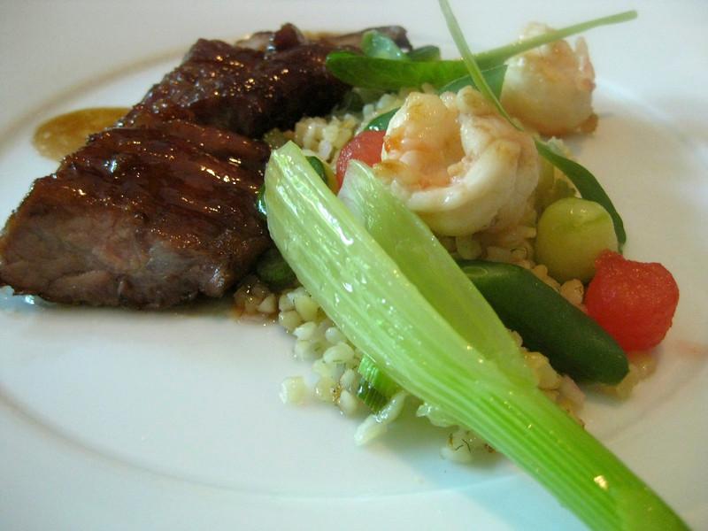 een gerecht met de groenten van Eef Stel en varkenswang van de Panhof