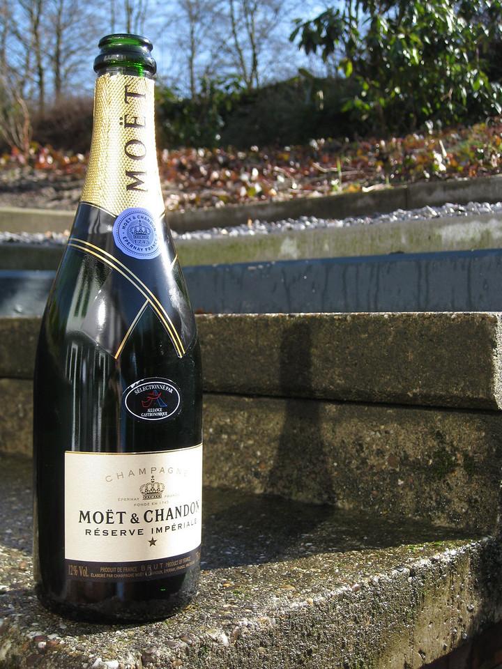 Moët & Chandon champagne, reserve