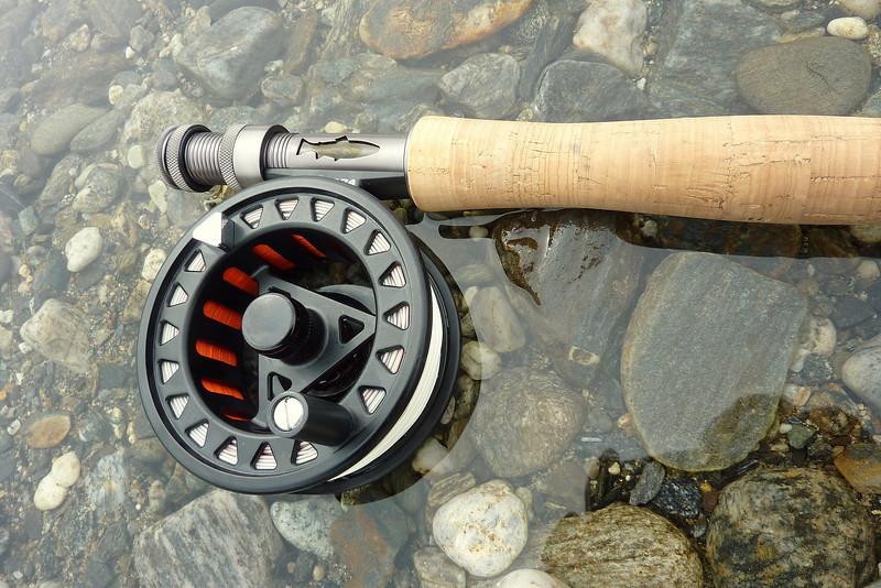 Ein liten tur i elva for og teste noen stenger...Fekk fisk på nesten kvart kast..Fang og slepp metoden idag.