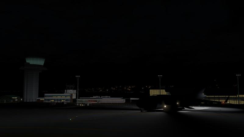 C-17_Globemaster_III_37-L.png