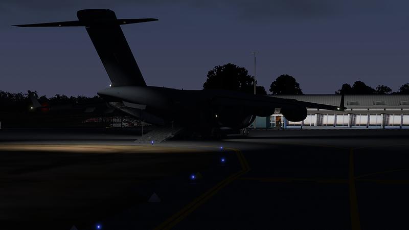 C-17_Globemaster_III_25-L.png
