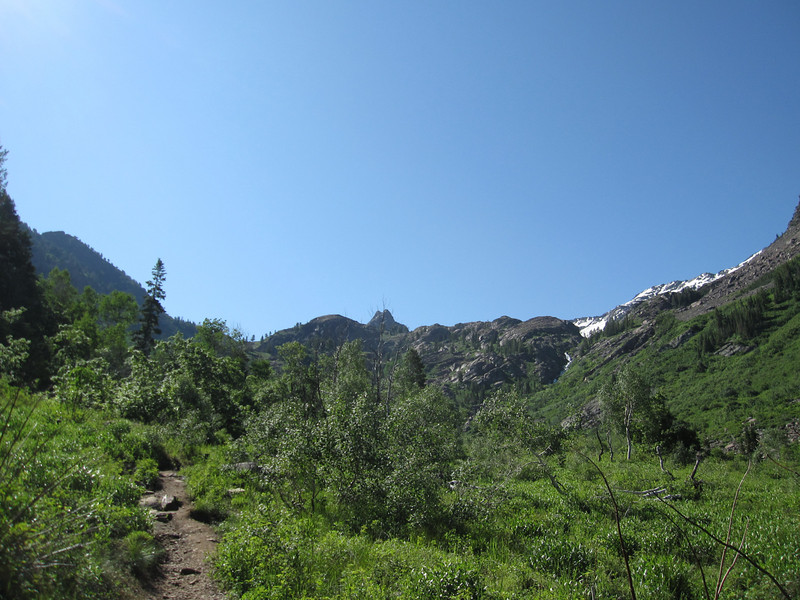Heading up to Lake Blanche just outside of Salt Lake City.  It's a 3.5mile walk with a few steep sections.