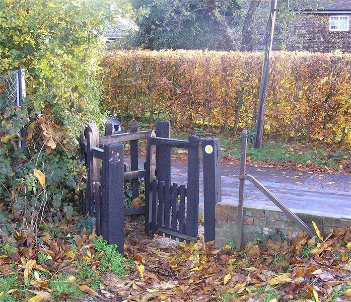 B0016_Nov18_2006_ gate_TL0793014525