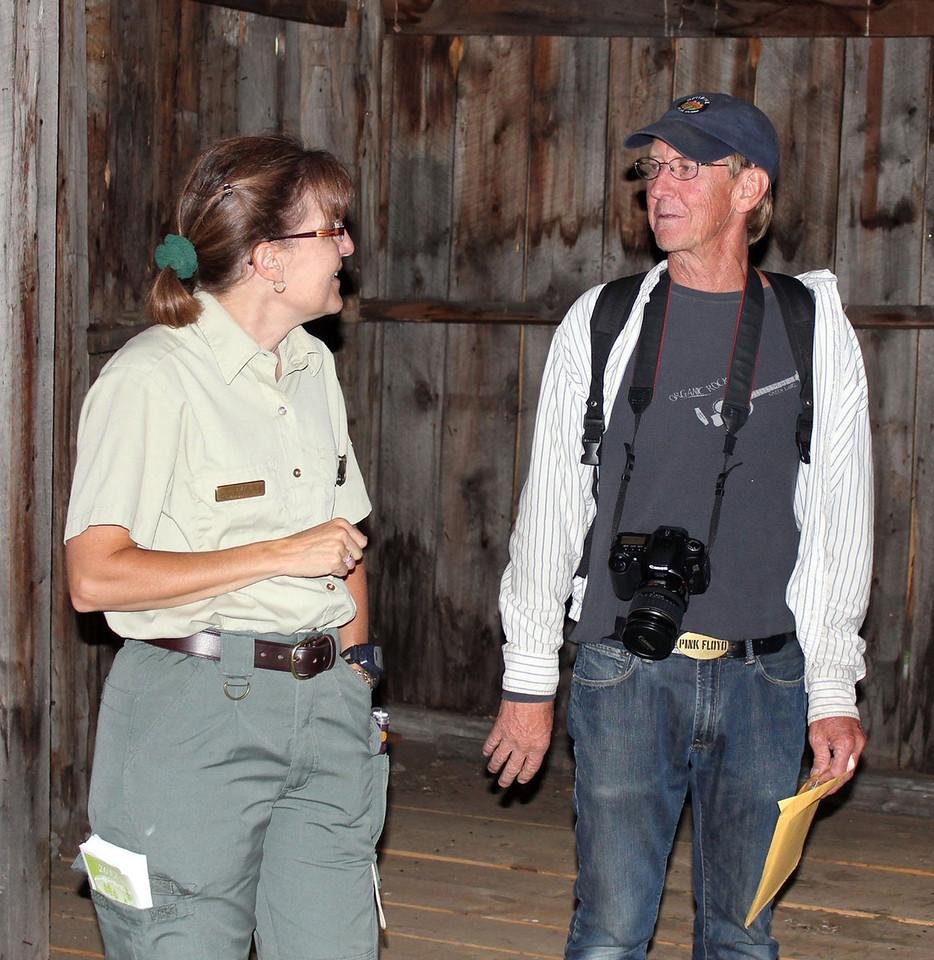 Amy Ballard talks with Ken Anderson.
