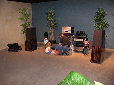 The Vandersteen 5A's, with Michael Heusi assisted by his daughter. Go here for more information on Vandersteen speakers: http://www.vandersteen.com/