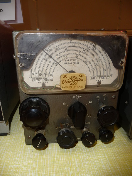 Rare KW76 Receiver brought along by Graham G3XTZ