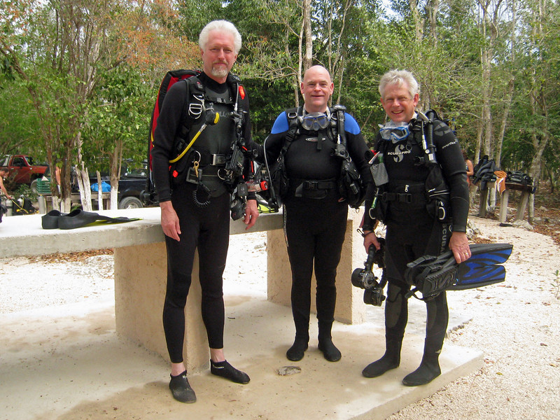 Saturday - diving the Dos Ojos cenote<br /> Buddies: Mark and Shel