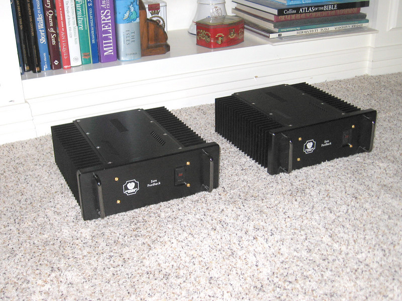 Monarchy SM-70 Pro Class A Zero Feedback amplifiers. PLACE CURSOR ON PICTURE TO ENLARGE