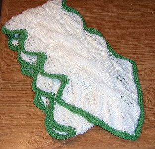 Irish leaf scarf -- good for St. Patrick's Day!  :)