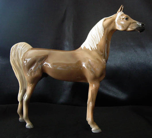 Status Symbol #10204, OF glossy smutty palomino China from the Lakeshore Collection