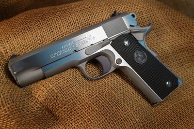 Colt 1911 Combat Commander - 45 ACP