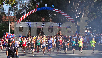 There were 2,471 runners in this year's race, 1,490 in the 5K and 981 in the 10K. The field included 1,142 Palisadians.