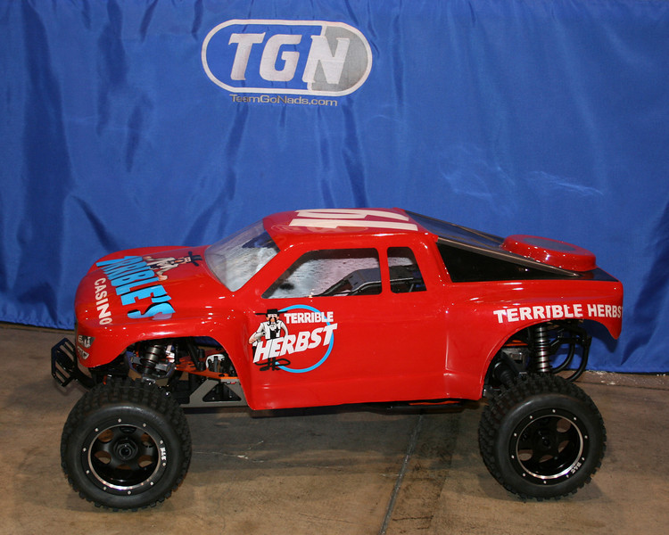 RAMTech-RC's new truck body and cool billet rims.