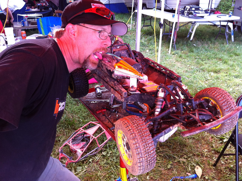 John from HPI LOVES the tast of his TGN track pipe on his off-road Baja 5SC