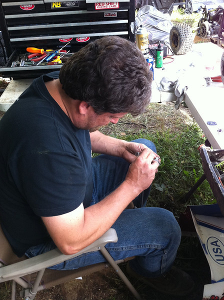 Bob from Dogpile helping me mod a carb for the BZM 28.5cc motor that may shop up in the Losi 5IVE-T this weekend.