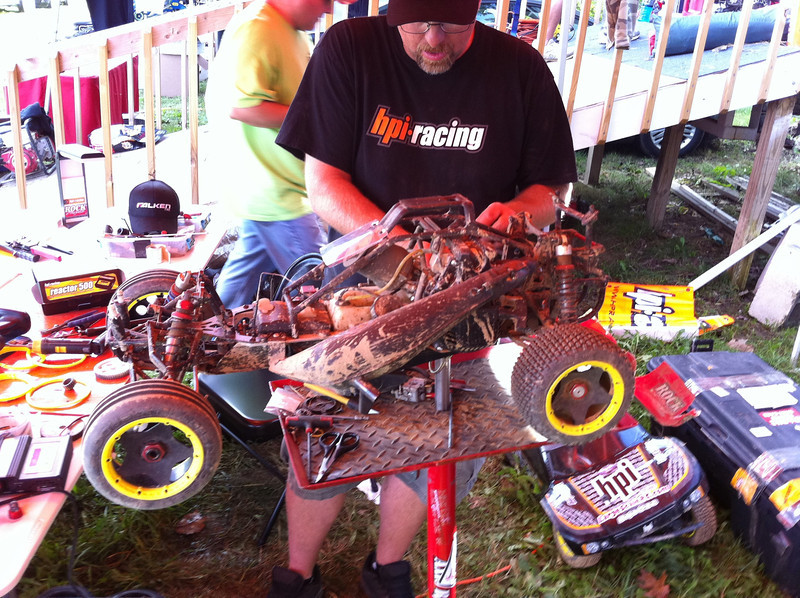 John from HPI working on his oval car. He has a modified TGN track pipe and this thing RUNS!