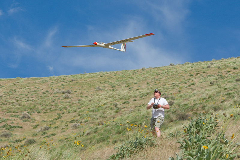 Maiden Slope Launch:  Waited too long to slope this 35+ year old kit.  I love that there is a falcon looking over my shoulder way up there!  thanks for the shot Eeeeej!<br /> <br /> P.S. first ship I tried RDS in.  Notice no aileron linkage on bottom of wing.  Low drag and - holy cow! this thing would not come down.  Spoilers are a must!