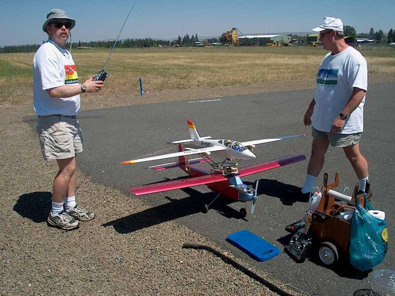 Wild Bill and I preparing to piggyback launch my 1/7 scale Fox sailplane at the joseph airport runway in Oregon.  Part of the Alpine soaring event in Joseph Oregon.